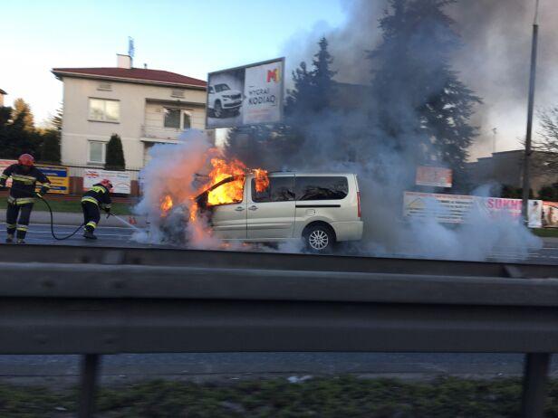 Pożar auta w Markach Ernest / warszawa@tvn.pl