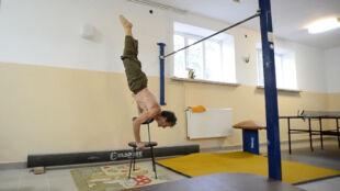 Ma 60 lat, a ćwiczy lepiej niż niejeden 20-latek